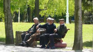 grupo-personas-mayores-parque_870822934_1052638_1020x574