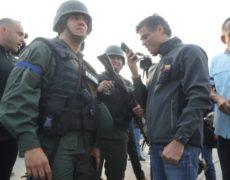 Venezuela: ¿Qué pasó el 30 de abril?. Tres opiniones y un manifiesto.