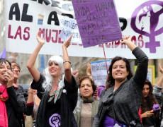 &#8220;Más del 87% de las menores que abortan informan a sus padres&#8221; de Elena Herrera, en <i>infoLibre</i>