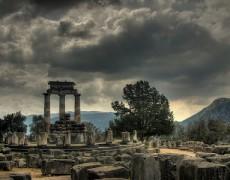 «El Oráculo de Delfos ha hablado» de Jorge Blazquez, en <i>Economistas frente a la crisis</i>