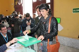 teresa_rodriguez_votando